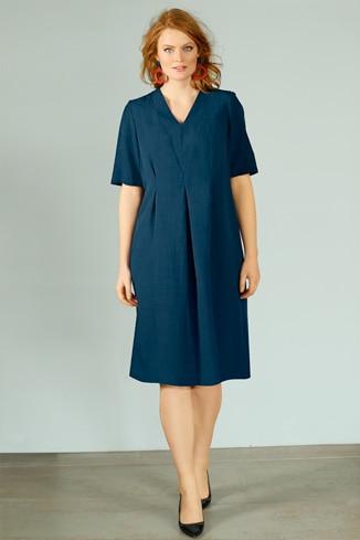 Kleid im Leinenmix