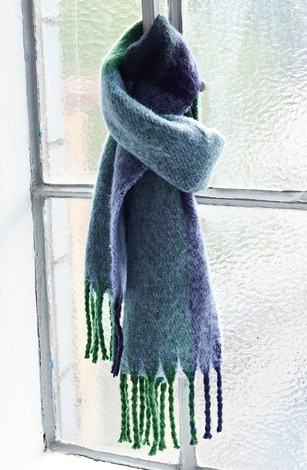 Scarf, cuddly soft, fringes